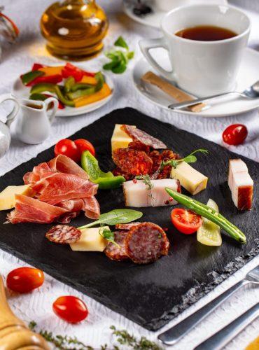 restaurant-breakfast-e1583883725848.jpg